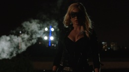 Arrow_S03E01_The_Calm_1080p_KissThemGoodbye_Net_2149